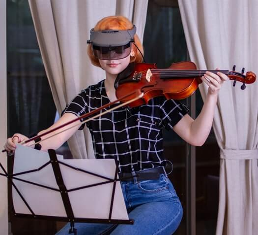 Playing violin Acesight